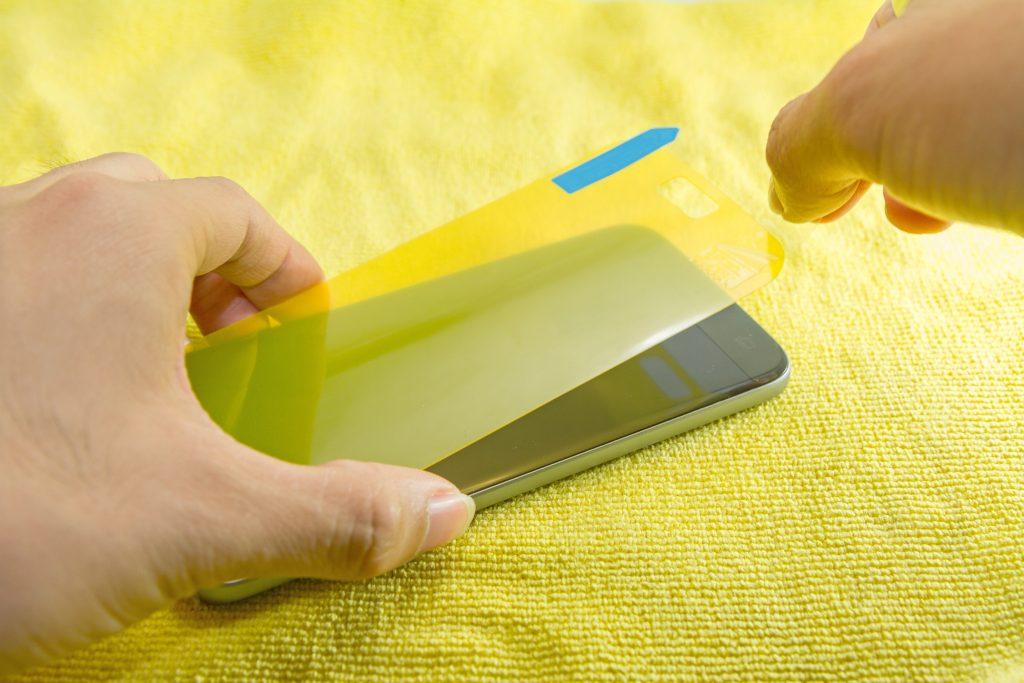 Best Screen Protectors: Tempered Glass vs Plastic